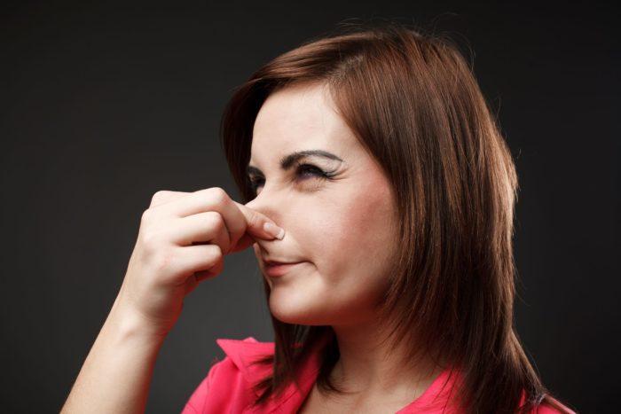 urin lugter råddent
